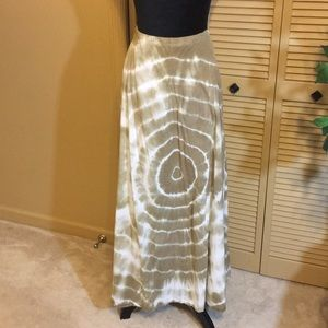 🔥Chico's Lined Tan & White Tie Dye Maxi Skirt